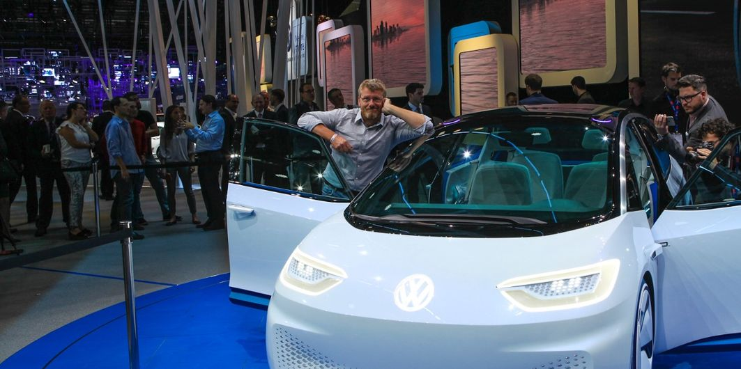 PARIS MOTOR SHOW: TOPS & FLOPS