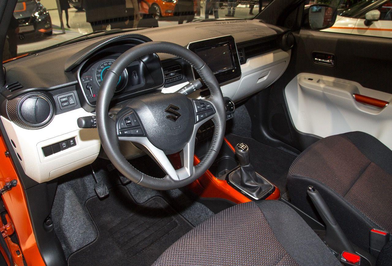 Viel Beinfreiheit Und Bunte Farbakzente Im Innenraum Des Suzuki Ignis