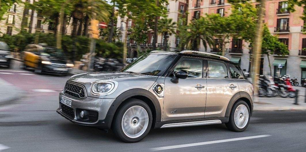ERSTER TEST: MINI COOPER  E COUNTRYMAN ALL4