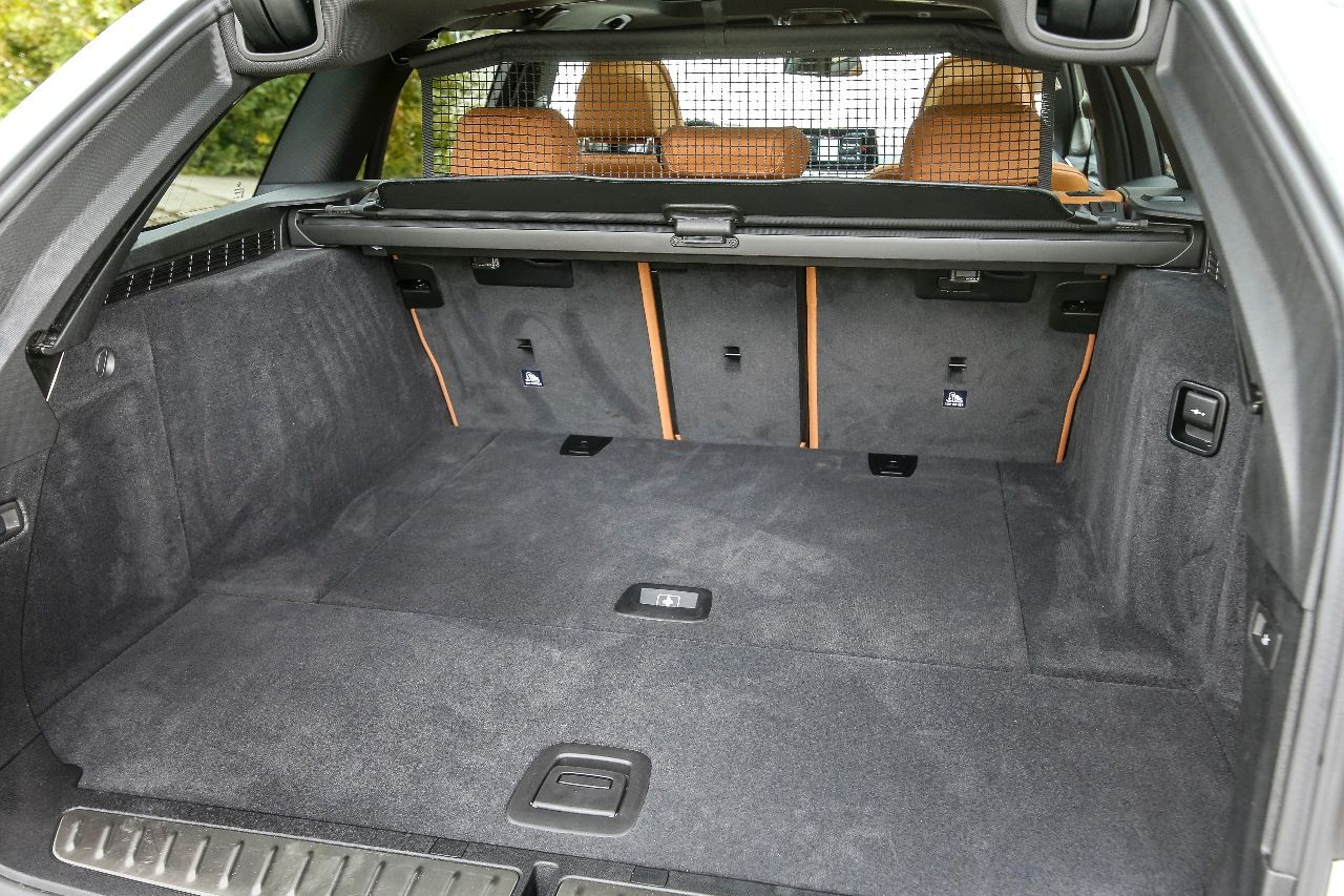 Geräumiger Kofferraum Mit 570 Bis 1700 Liter Volumen Größer Als Beim Audi A6 Kleiner Mercedes E Klasse T Modell