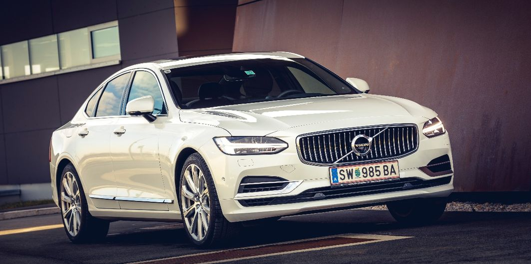 TEST: VOLVO S90 T8 AWD TWIN ENGINE