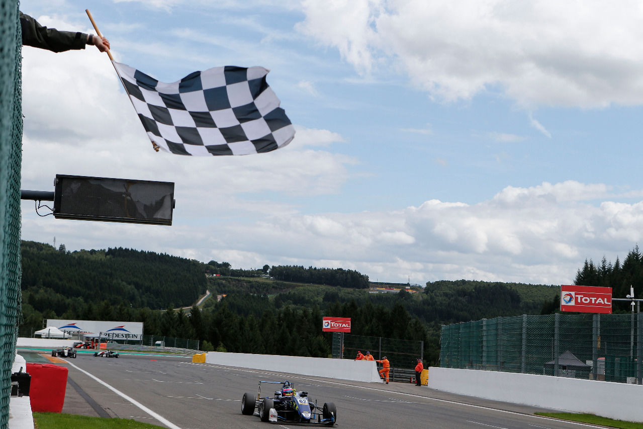 2017 gewann er den Formel-3-Hit in Spa.